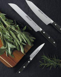Ножи линейки Manhattan заточены особым образом по технологии Silk Edge